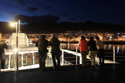 chile australis night departure